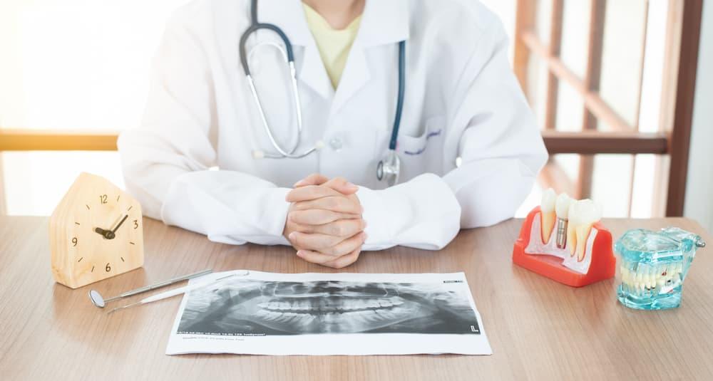 植牙為什麼那麼貴?專業醫師來跟您細細說明
