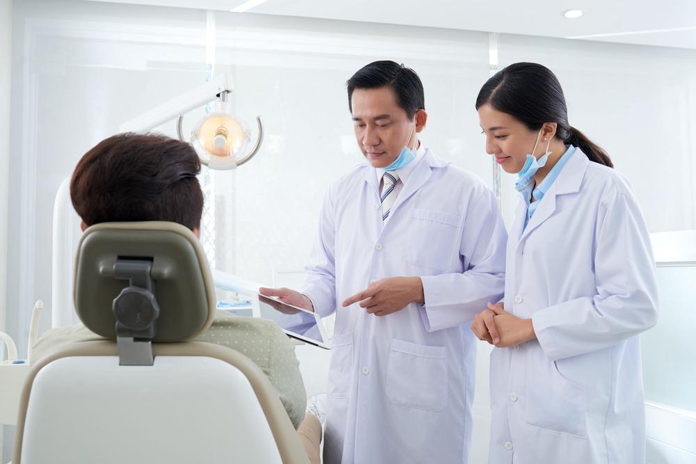 根管治療顯微鏡是什麼?為什麼您需要顯微根管治療?